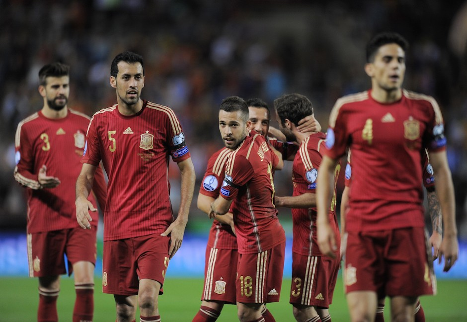LOGRONO, SPAIN - OCTOBER 09: Jordi Alba and Sergio Busquets celebrate after Santi Cazorla of Spain scored Spain's opening goal during the UEFA EURO 2016 Qualifier group C match between Spain and Luxembourg at Estadio Municipal Las Gaunas on October 9, 2015 in Logrono, Spain. (Photo by Denis Doyle/Getty Images)