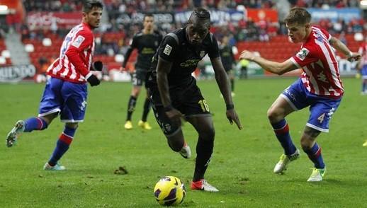 La UD Las Palmas empata frente al Sporting de Gijón en El Molinón (1-1)